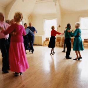 seniors_dancing_staying_healthy